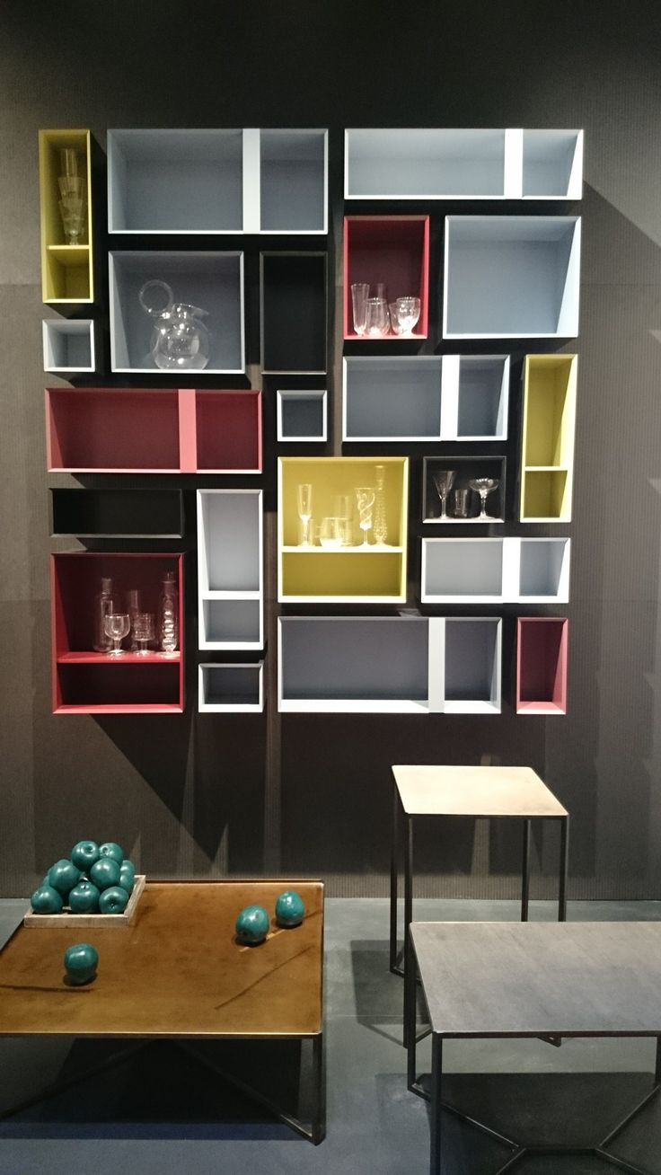prateleiras-coloridas-design_capodopera-at-salone-del-mobile-2014-_decoreba_design