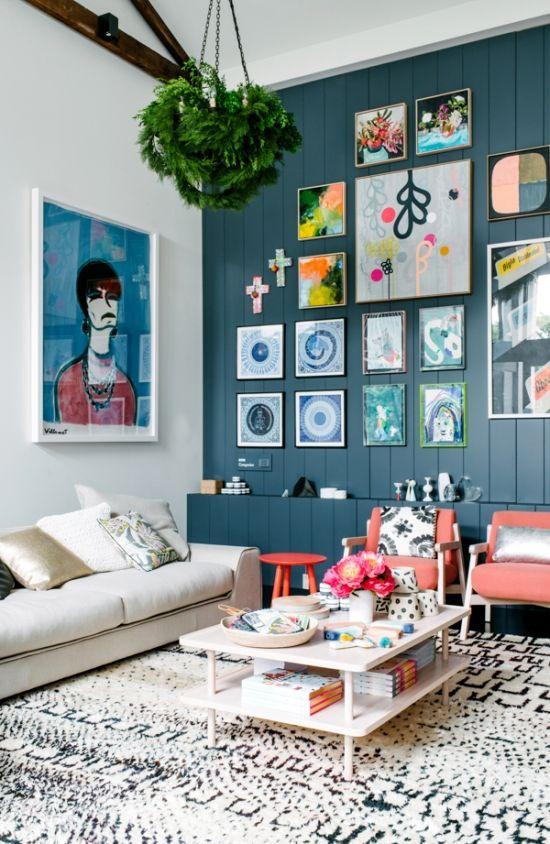 sala-de-estar-cor-primavera-parede-azul